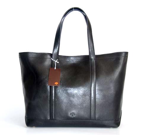 Модная сумка в классическом стиле.