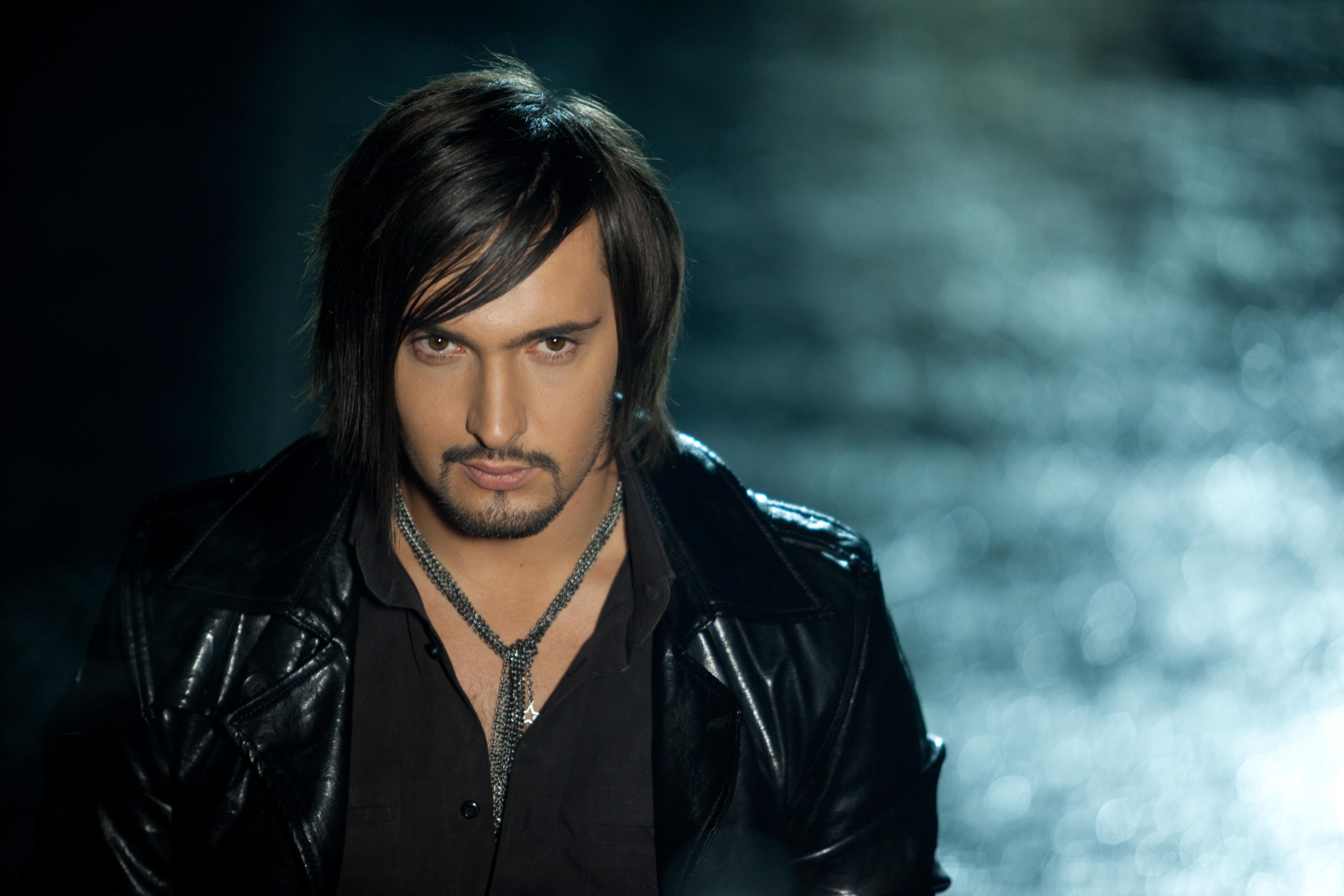 Виталий Козловский назвал свой альбом как сериал «1+1»