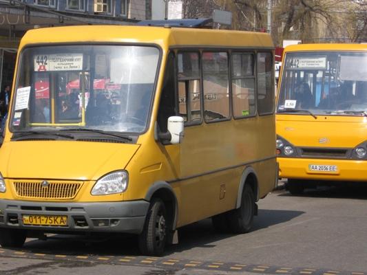 Киевским маршруткам выделят отдельные полосы на дороге