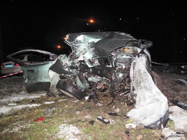 В страшной аварии в Киеве погибли водитель и пассажир