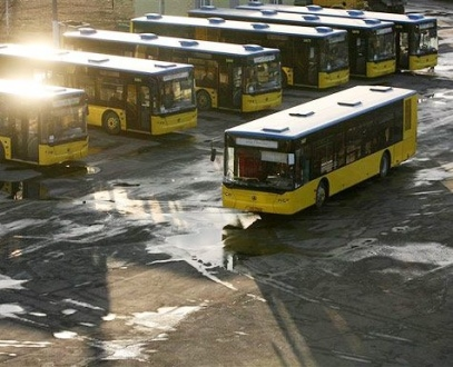 Попов запустит в Киеве автобусы и троллейбусы