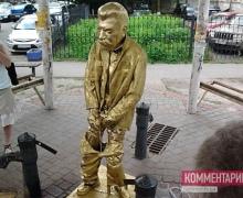 """На Подоле целый час прямо на улице """"малую нужду"""" справлял Сталин"""