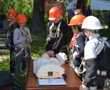 В Киеве состоялись соревнования юных спасателей