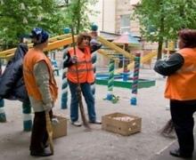 В 257 киевских дворах наведут идеальный порядок