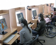 В домах-интернатах Киева появятся компьютерные классы