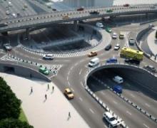 Азаров узрел недостатки в транспортной развязке на мосту Патона