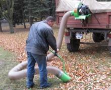 Для уборки мусора дворникам дадут специальный пылесос