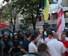 """""""Беркут"""" не дал оппозиции провести акцию возле НСК """"Олимпийский"""""""