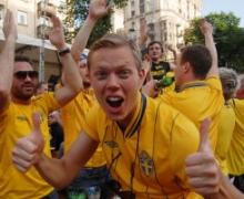 Шведские болельщики не уедут из Киева