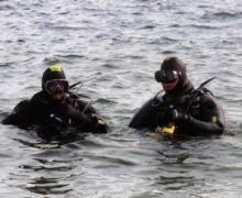 """Пока водолазы искали тело, """"утопленник"""" сам пришел на берег"""