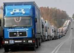 В Киеве для дальнобойщиков ввели комендантский час