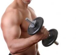 """Столичный фитнес-инструктор """"качал"""" мышцы с помощью наркотиков"""