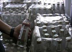 В Киеве налоговики изъяли 30 тысяч бутылок водки