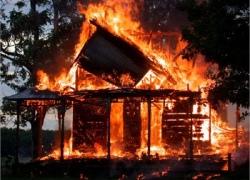 Пожар в отселенном здании отобрал жизнь мужчины