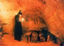 В столице реставрируют Варяжские пещеры
