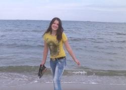 На Киевщине бесследно пропала 15-летняя девочка (ФОТО)