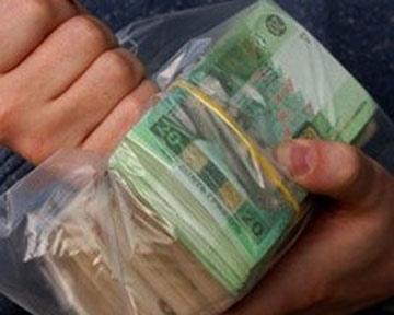 В Киеве коммунальщик-овощник попался на взятке