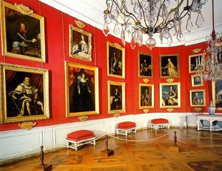 Киевлянам покажут 100 картин известных художников