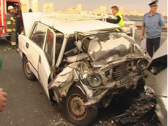 На Московском мосту произошла немыслимая авария с летальным исходом