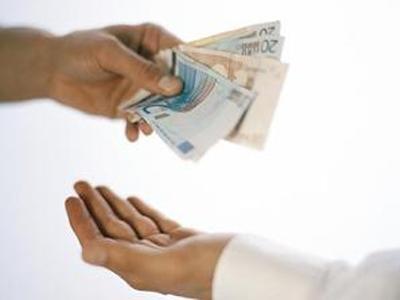 Мужчина обналичил 280 тыс. евро по поддельным документам