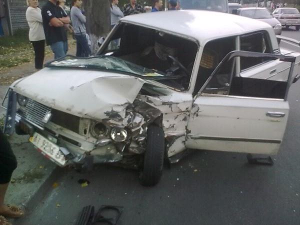 Под Киевом в ДТП чуть не погиб маленький ребенок