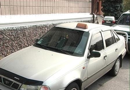 Парни ограбили таксиста, поскольку у них не было чем заплатить за проезд