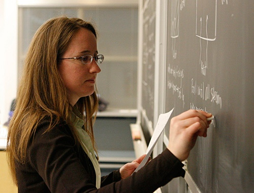 Киевским учителям повысят зарплату