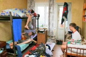 Попов собирается приватизировать около 30 общежитий