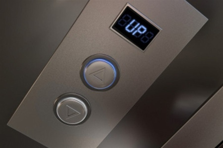 К концу 2012 года в Киеве станет меньше лифтов-убийц