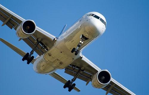 """В """"Борисполе"""" Boeing-737 совершил вынужденную посадку"""