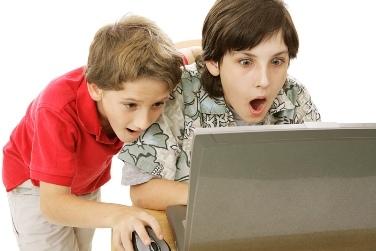 Родителям детей предложили усилить контроль детского доступа к Интернет