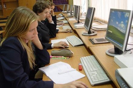 Интернет в киевских школах есть далеко не у всех