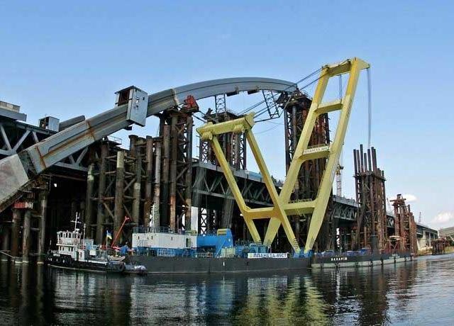 Попов намерен в ноябре возобновить работы на Подольско-Воскресенском мосту в Киеве