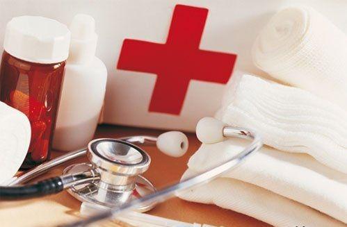 Киевские больницы должны быть лучше европейских - Азаров