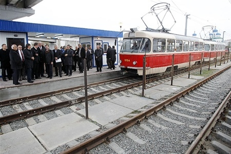 Жители Троещины требуют метро и против скоростного трамвая