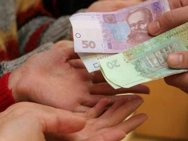 Попов раздаст ветеранам деньги