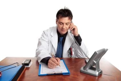 Киевлян просят не советоваться с врачами по телефону