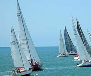 Берег Днепра освободят от частного яхт-клуба