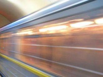 "На станции метро ""Крещатик"" на рельсы упал пассажир"