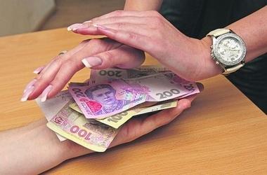 Киевские налоговики помогли немцу получить зарплату