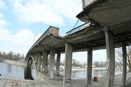 Венецианский мост в Киеве могут открыть в начале 2013 года
