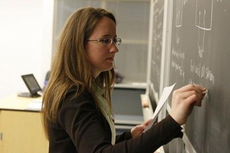 Киевским учителям выдадут зарплату за октябрь