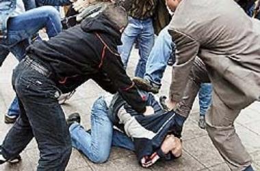 Заезжие гопники средь белого дня избили в столице студента