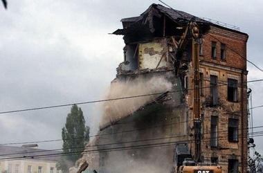 В Киеве ночью снесли два исторических дома.