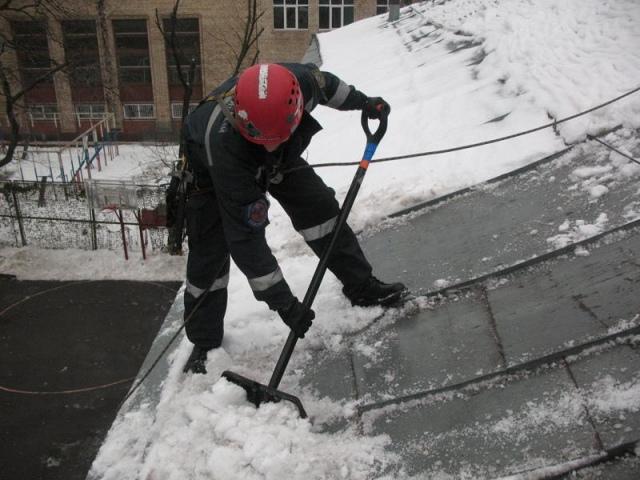 Из-за снега на остановках транспорта будут демонтировать МАФы