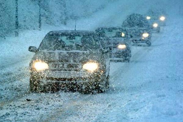 ГАИ просит водителей не ездить по Киеву в снегопад