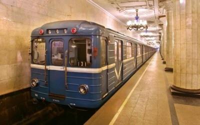 В киевском метро на рельсы упал пассажир