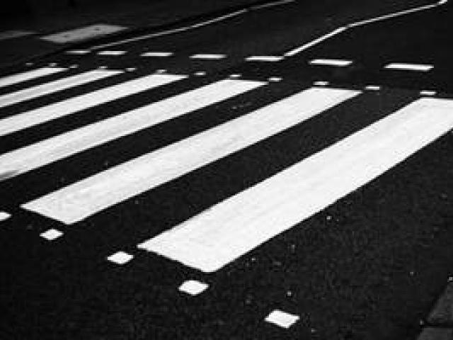 Пешеходные переходы в Киеве будут с освещением и со знаками