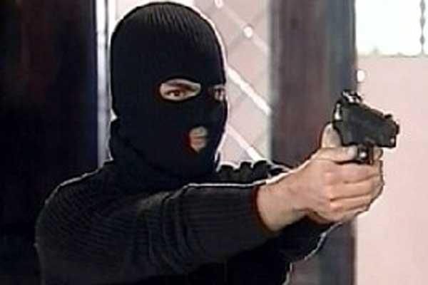 В Киеве неизвестный мужчина ограбил банк
