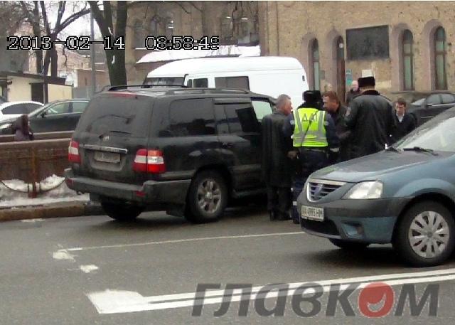 Экс-мэр Киева попал в ДТП